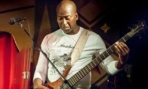 Vinnie Puryear – Bass